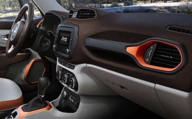 4-2015-jeep-renegade-interior