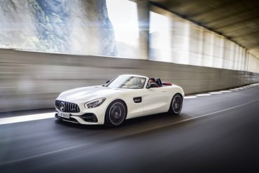 AMG GT C Roadster : What a damn beautiful monster this is!