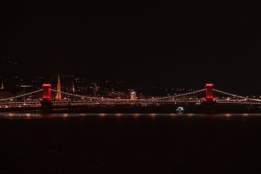 Budapest's Chain Bridge turns red for World AIDS Day