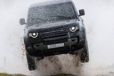 "Land Rover takes James Bond fans behind the scenes with the ""No Time To Die""stunt team"