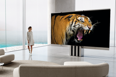 C SEED introduces the  World´s First Foldable 165-inch Micro LED TV